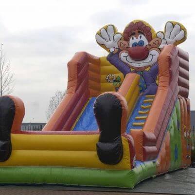 Riesenrutsche-Clown
