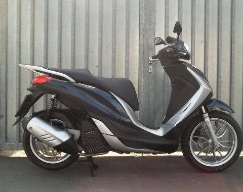 Roller Verleih / Moped Verleih PIAGGIO MEDLEY 125 IE IGET